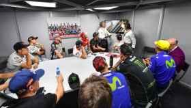 Los pilotos de MotoGP, en una reunión de la Comisión de Seguridad.