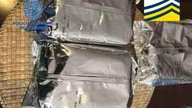 Paquetes de leche falsa intervenidos por Policía y Europol.