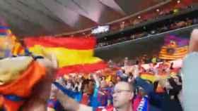 La afición del Barcelona ondea banderas de España