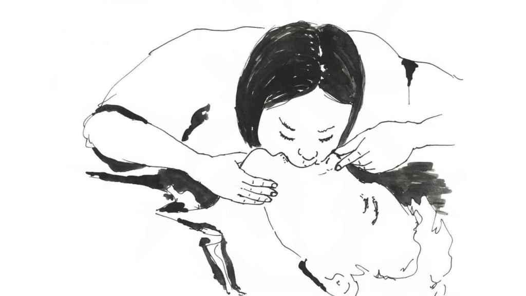 La respiración boca a boca se hace levantando el mentón y tapando la nariz.
