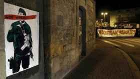 Imagen de un cartel contra la Guardia Civil en Alsasua.