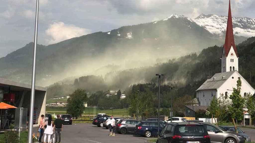 No es niebla, es polen. Mario Feist Ritzer / @SevereweatherEU