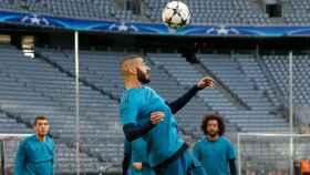 Benzema durante un entrenamiento del Madrid