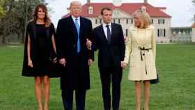 Melania Trump, Donald Trump, Emmanuel Macron y Brigitte Macron en Mount Vernon.