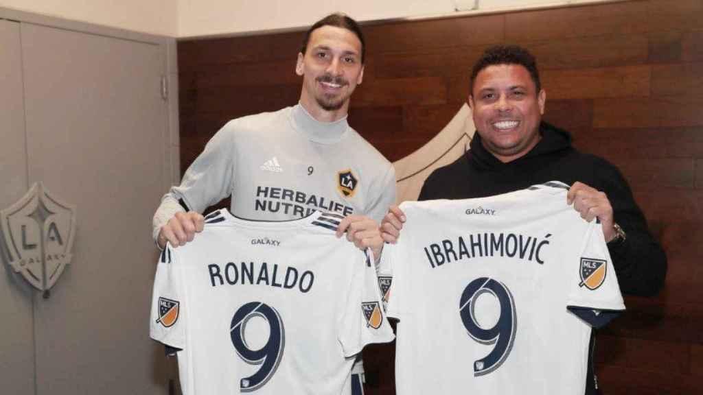 Ibrahimovic y Ronaldo. Foto: Twitter (@LAGalaxy)