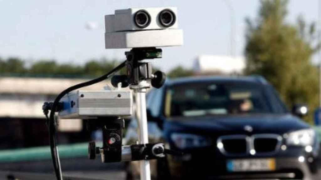 Radar en una carretera./
