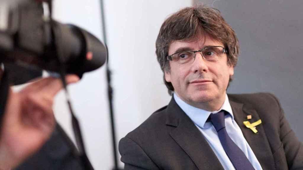 Puigdemont durante una reunión con la prensa extranjera reunida en Alemania.