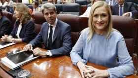 La expresidenta de Madrid, Cristina Cifuentes, con el presidente en funciones, Ángel Garrido.