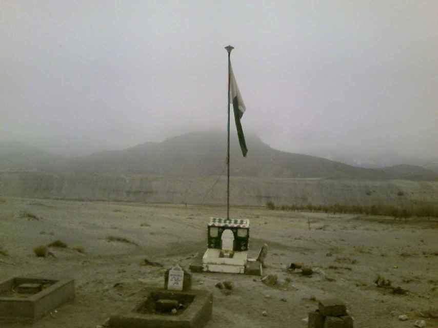 Tumba de un soldado en Cachemira.