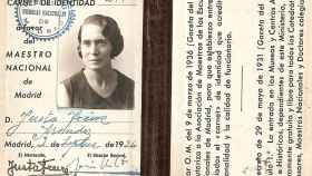 Carnet profesional de maestra de Justa Freire, de septiembre de 1936, comienzos de la guerra civil.