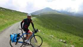 Izagirre en la subida al col de Arnostegi, desde Donibane Garazi.