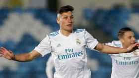 Óscar celebra su gol con el Castilla