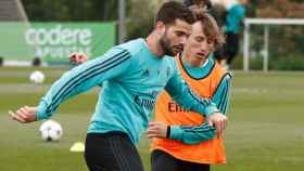 Nacho entrena con el Madrid junto a Modric