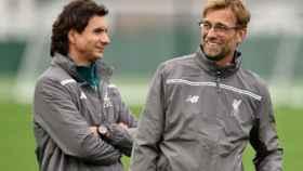 Zeljko Buvac con Klopp en un entrenamiento del Liverpool. Foto: liverpoolfc.com