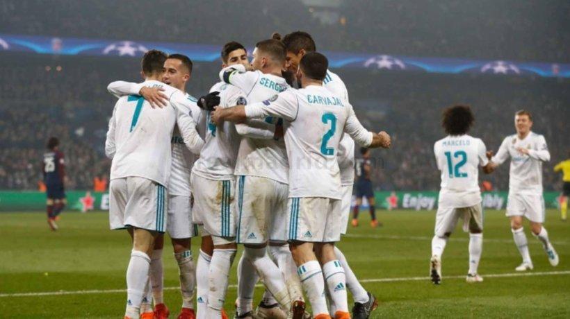 El Real Madrid celebra su victoria ante el PSG