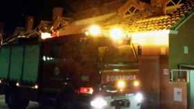 Valladolid-incendio-aldeamayor-bomberos-chimenea