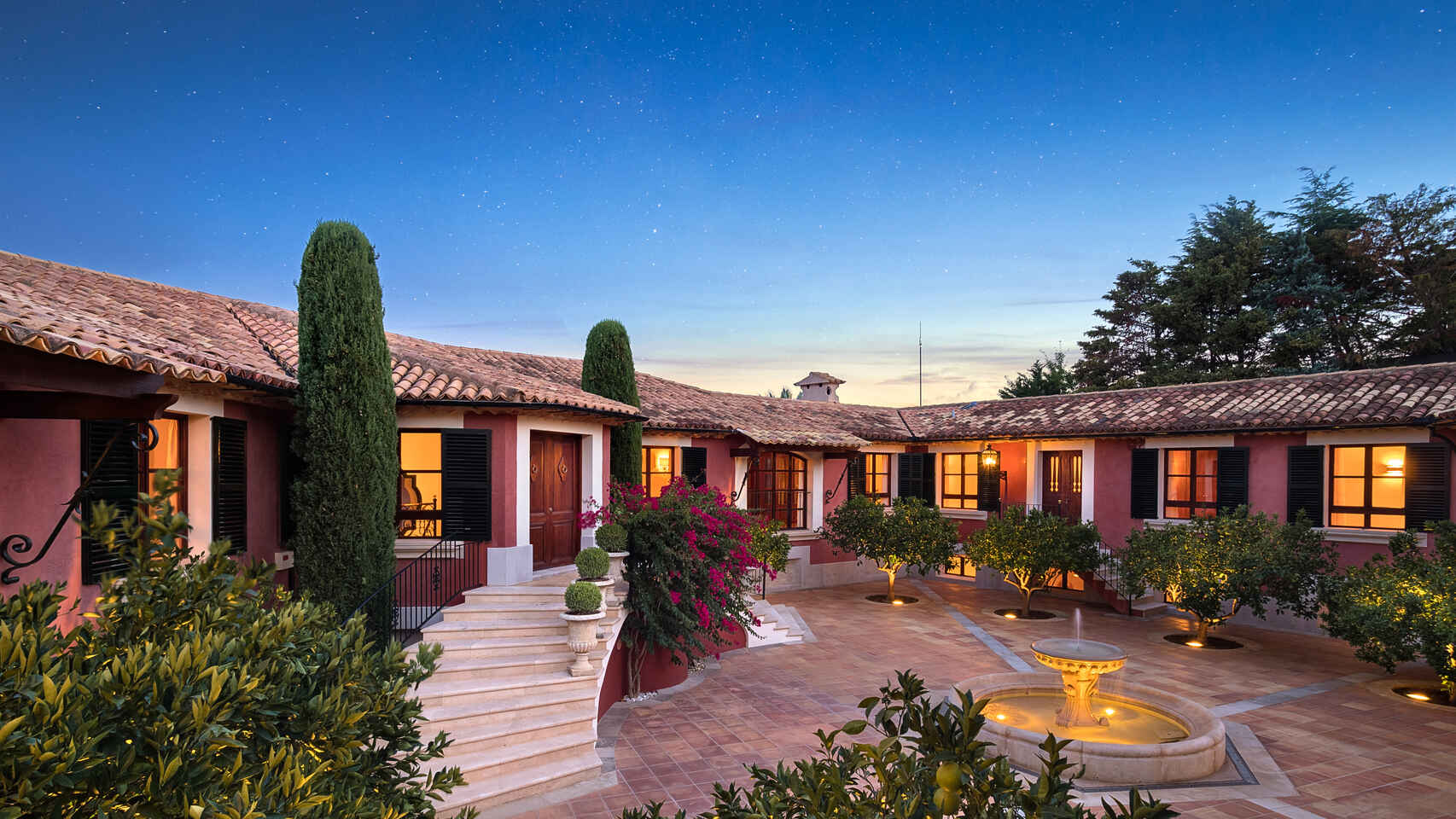 Así es la casa de Mallorca de Adolfo Suárez que se pone en venta