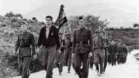 Miembros del Batallón Lincoln, durante el desfile de despedida de las Brigadas Internacionales.