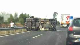 accidente-caravana-vuelco-cigales-a62