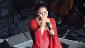 Isabel Pantoja llora en uno de sus conciertos