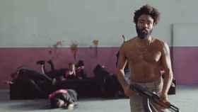 Fotograma de This is America, la polémica canción de Donald Glover, alias Childish Gambino.