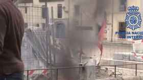 Leon-policia-nacional-quema-bandera
