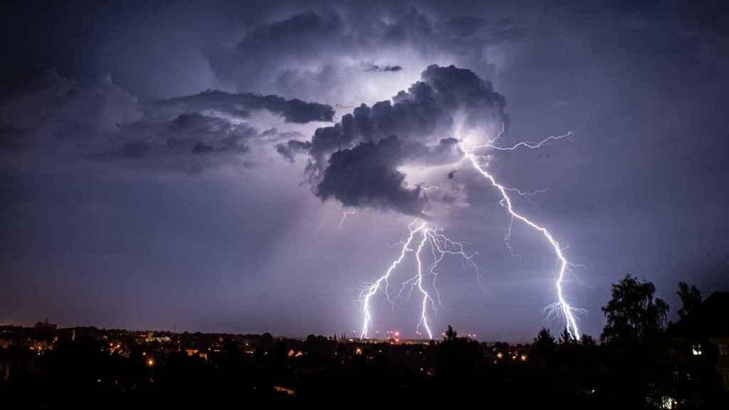 Una tormenta de rayos.