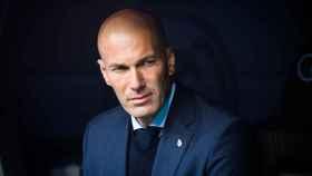 A Zinedine Zidane no hace falta 'curarle' la calvicie.