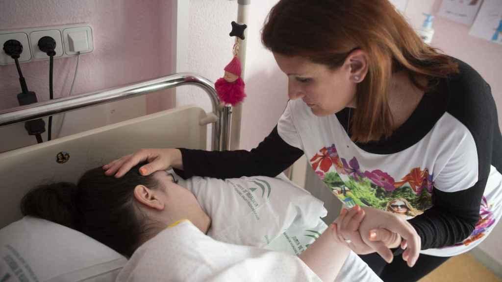 Antes de comenzar a sufrir los dolores en la cadera, Alba era una niña normal.
