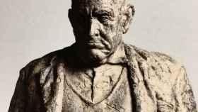 El alcalde, escultura de Julio López Hernández.