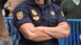 El policía entrevistado reconoce su alegría tras lograr marcharse de Cataluña.
