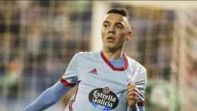 Iago Aspas se señala el escudo del Celta tras anotar un gol. Foto: rccelta.es