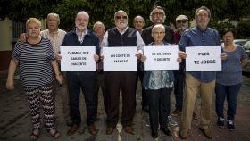 El grupo de jubilados que contesta a Martínez Castro.