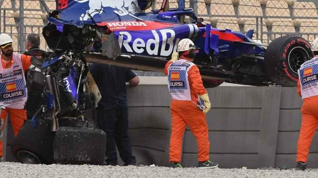 El Toro Rosso de Hartley, roto por la mitad.