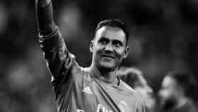 Keylor Navas saluda a la afición del Real Madrid
