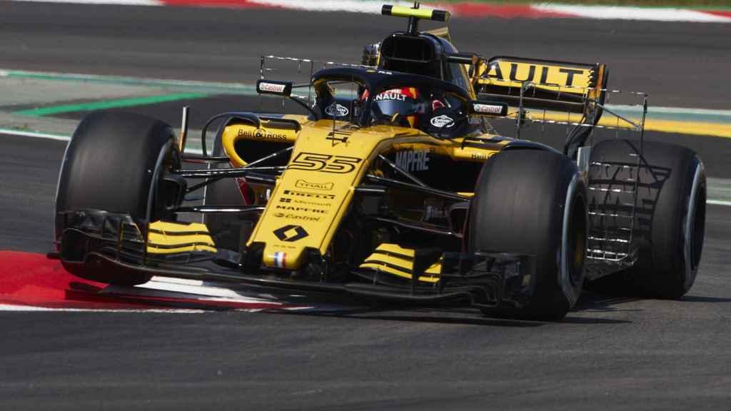 Carlos Sainz, con el Renault durante el GP de España de F1.