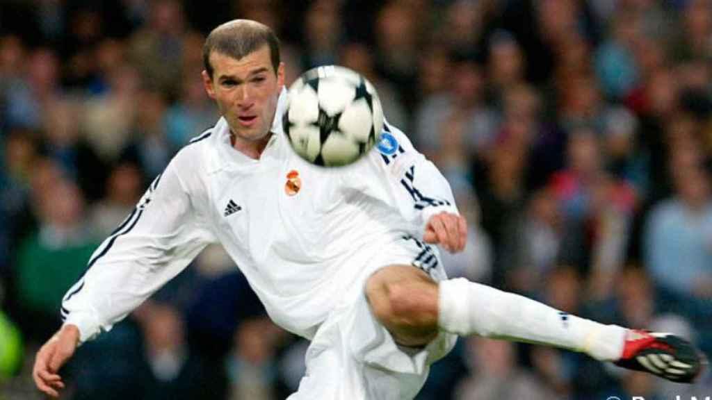 La volea de Zidane en Glasgow