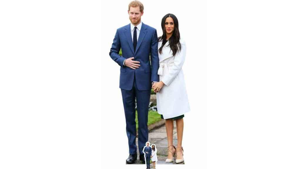 Las figuras de cartón de Harry y Meghan cuando anunciaron su compromiso.