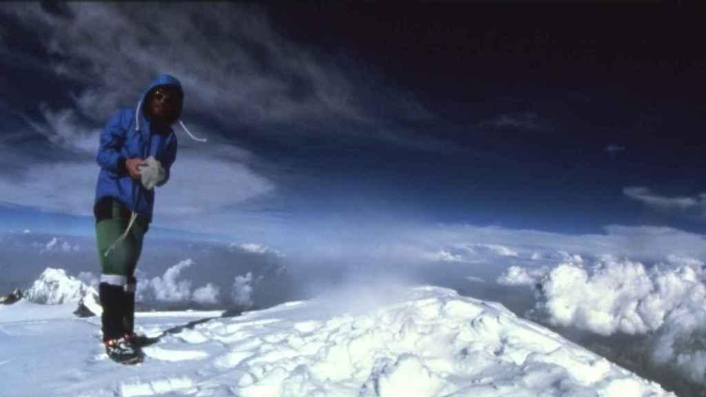 Reinhold Messner en la cima del Monte Everest.