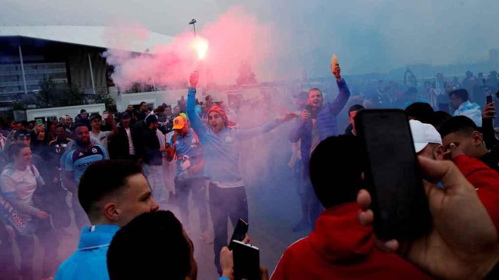 Ultras del Marsella en Lyon.