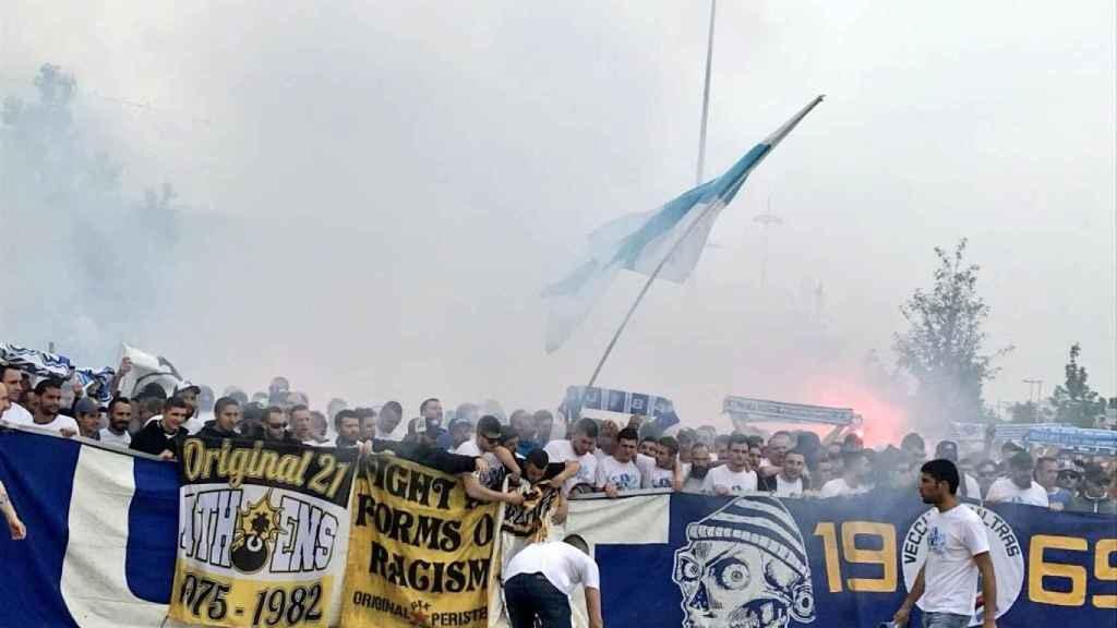 Ultras del Livorno, AEK o Sampdoria junto a los del Marsella antes de la final de la Europa League.