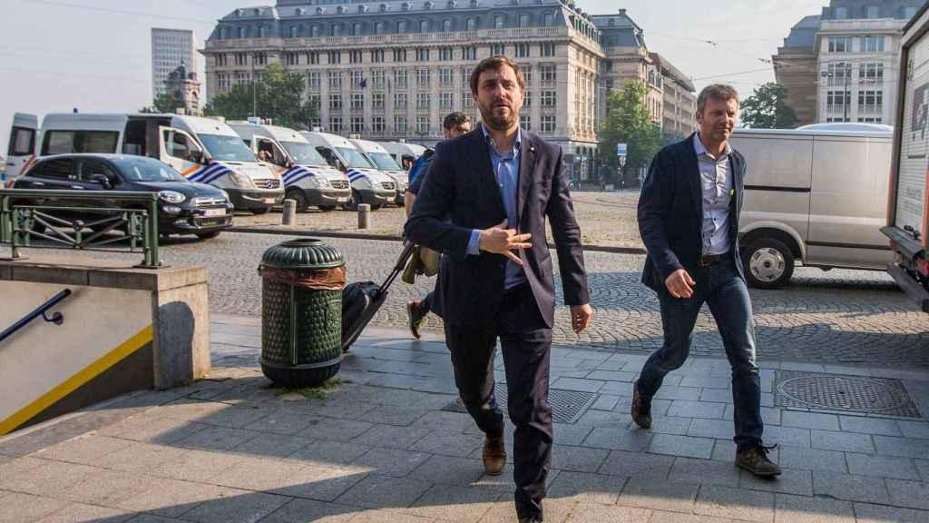 El exconseller Toni Comín, a su llegada al Palacio de Justicia de Bruselas