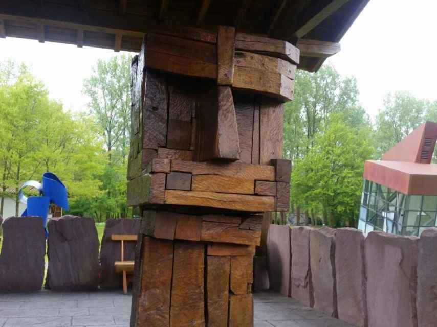 Una escultura de Santxotena, llamada cabeza de agote.