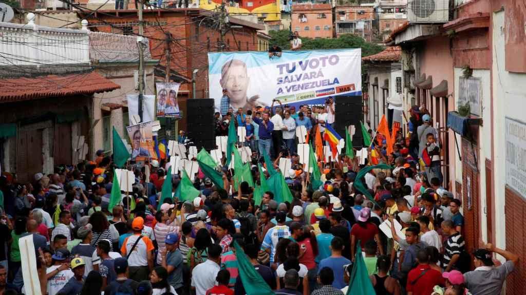 Henri Falcón, durante un mitin en Caracas.