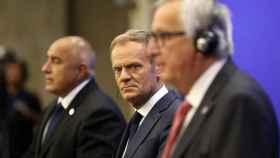 Tusk y Juncker, en la rueda de prensa tras la cumbre de Sofía