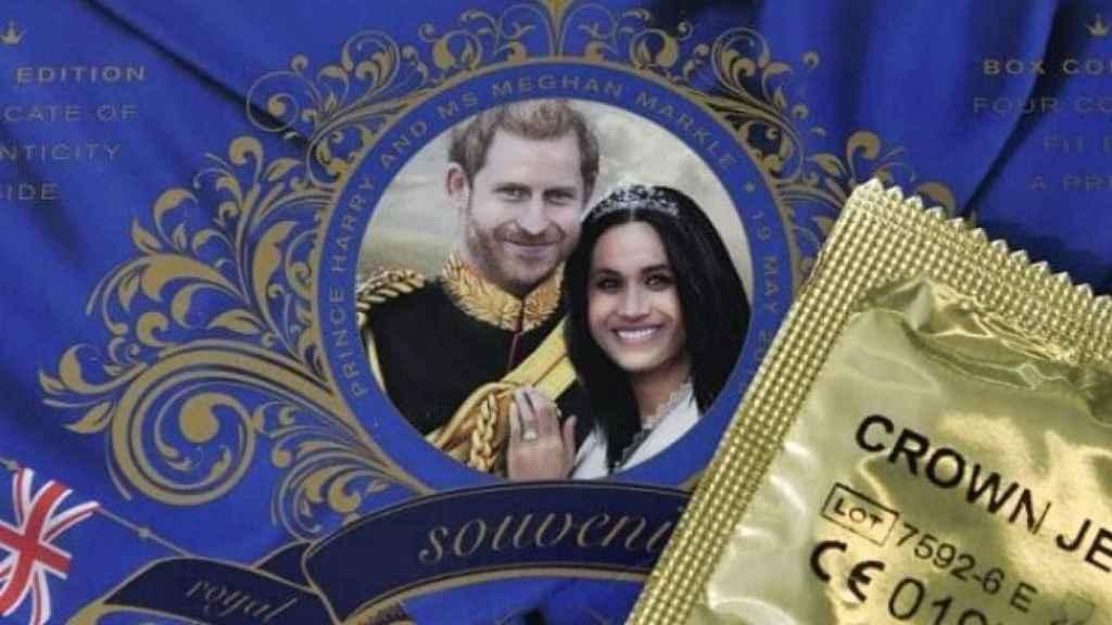 Los preservativos de 'La joya de la corona' en honor a Harry y Meghan.