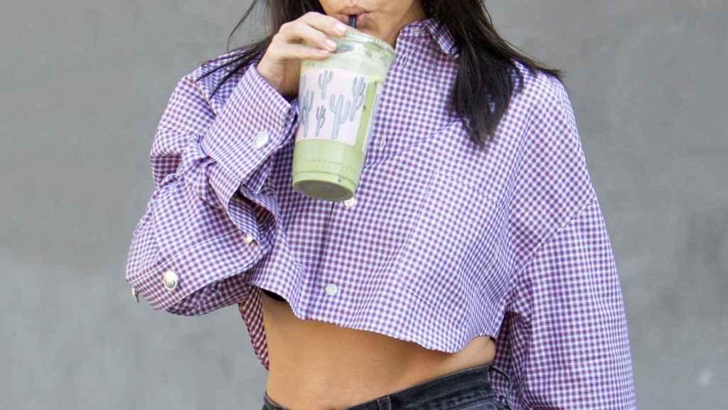 Las Kardashian toman sus suplementos de colágeno en el agua, batidos y café.