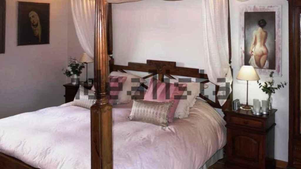 Dormitorio principal de la vivienda de Iglesias y Montero.