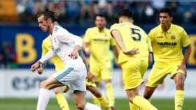Bale, rodeado por los jugadores del Villarreal