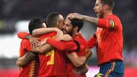 España celebra un gol en el amistoso contra Alemania.